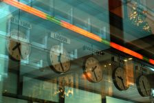 Polonya piyasaları kapanışta düştü; WIG30 0,46% değer kaybetti