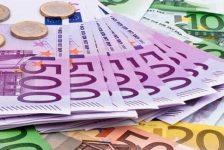 Dolar, Euro ve Sterlin Yükseklerde Seyretmeye Devam Ediyor!
